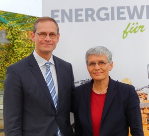 Dr. Ute Finckh-Krämer mit dem Regierenden Bürgermeister Michael Müller im April 2016